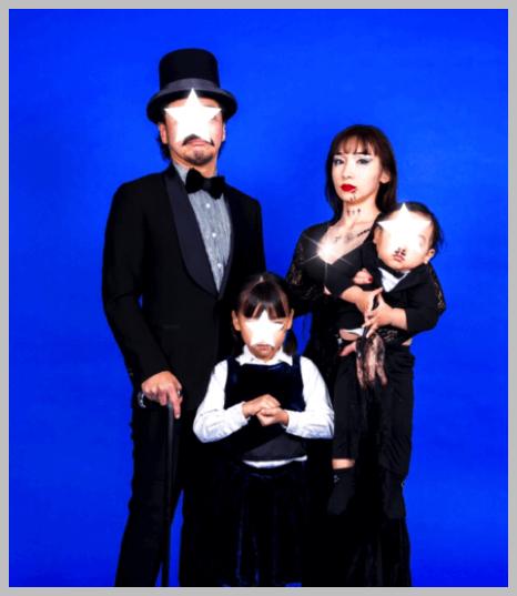 ハロウィンコスプレをする加護亜依の家族