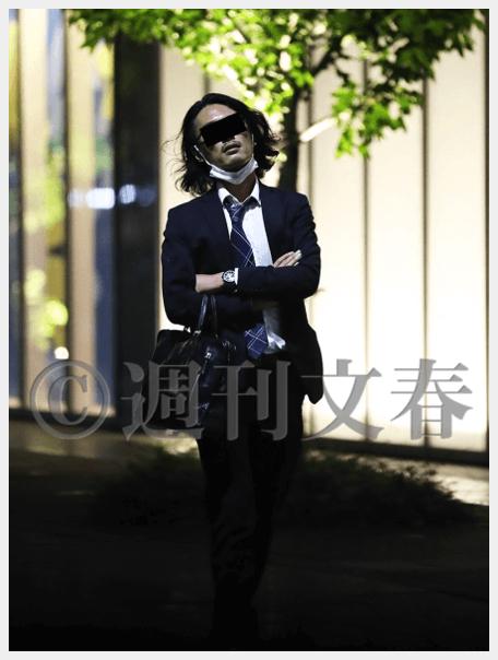 菅総理の長男である正剛さんが接待を終えた後(週刊文春より)