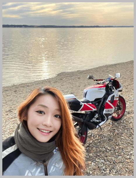 美人ライダー宗谷の蒼氷、ヤスコさんと湖とバイク